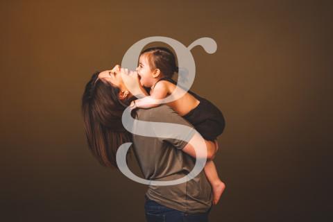 Laia. MOMS&KIDS