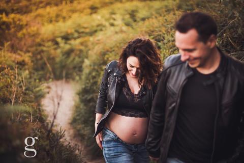 Sesión de embarazo en exteriores. Ianire e Iban
